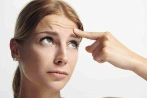 Faltenbehandlung. Eingriffe, Kosmetikprodukte und einfache Methoden für das junge Aussehen