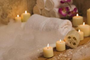 Entspannendes Bad im Herbst. Welche Kosmetikprodukte sind ideal?