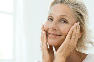 Haut in der Menopause pflegen – Tipps